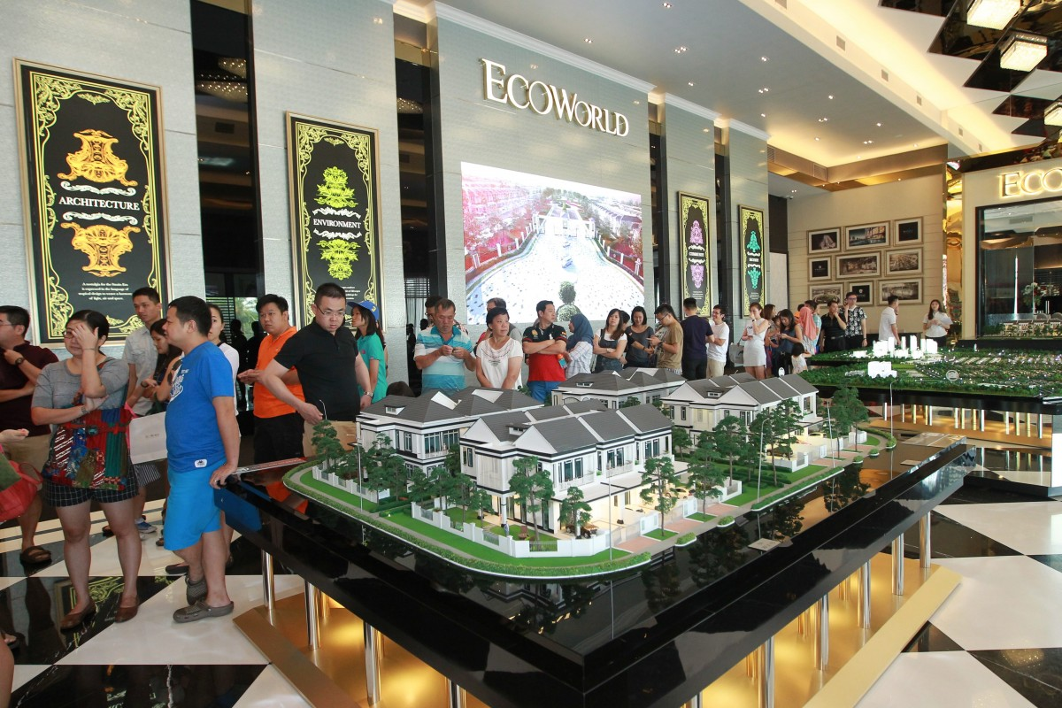 Ecoworld 39 s majestic bazaar racks up rm100 000 sales in three hours Show home furniture hours