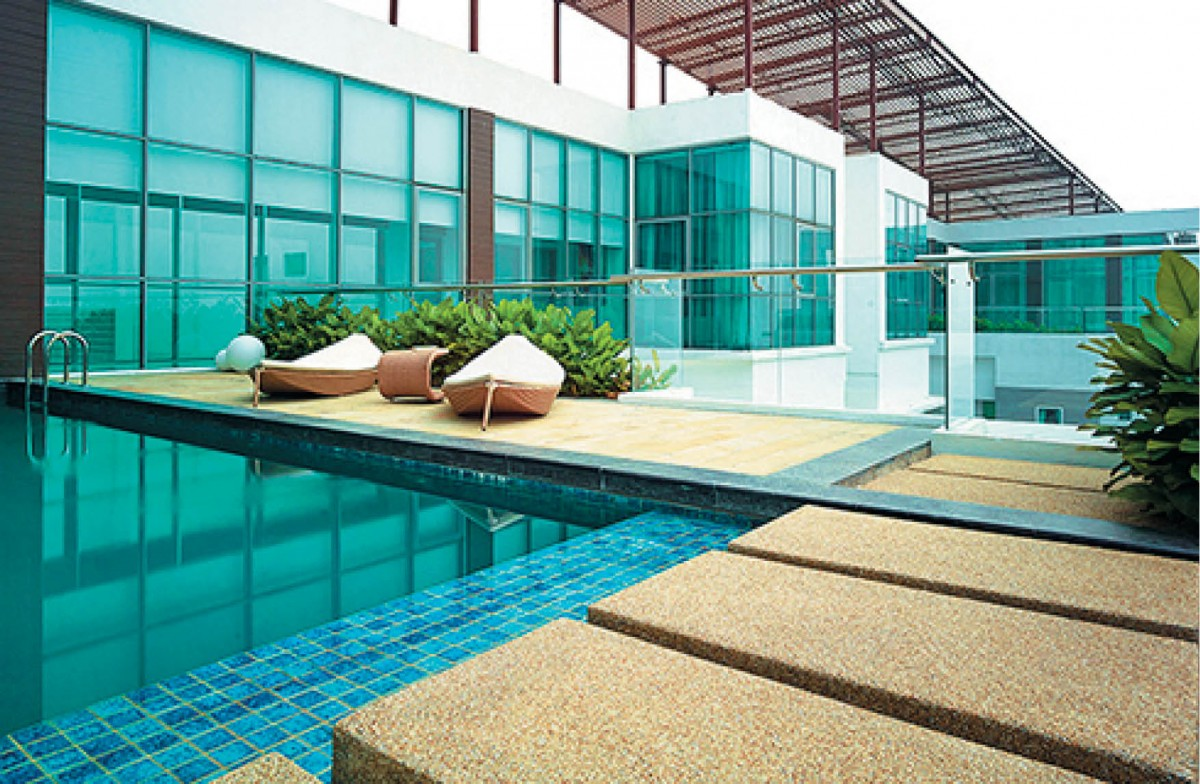 7 penthouses with private swimming pools for Private swimming pool