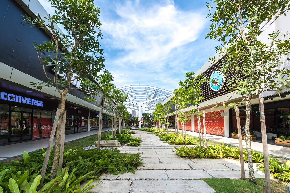 Starbucks malaysia will be opening a new store at design village mall - Design Village Has 150 Retail Outlets Comprising A Mix Of International And Home Grown Brands