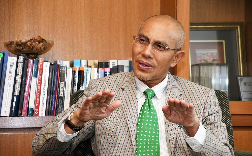 Datuk Seri Dr Sallehuddin Ishak