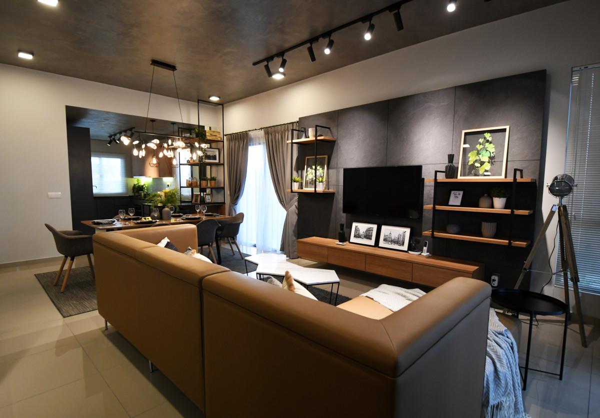 Baccas-livingroom.JPG