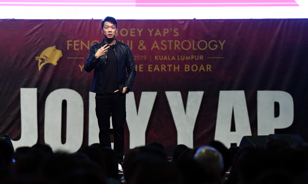 Joey Yap: Improve your knowledge and skills while waiting