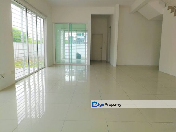 Corner Lot 2 Storey House Freehold 2625sft NADAYU , Selangor, Kajang