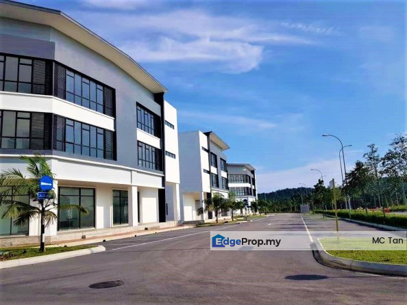 NEW FREEHOLD Shoplot Township Main Road , Selangor, Sungai Buloh
