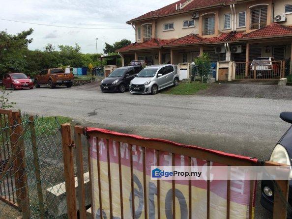 Lep 6,taman lestari putra,seri kembangan, Selangor, Puchong South