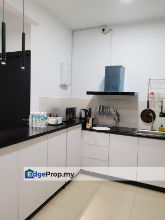 FREEHOLD Condo Beside XIAMEN University Furnished , Selangor, Seri Kembangan