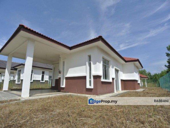 BANGLO FREEHOLD TANAH LUAS - MAHKOTA HILLS, Negeri Sembilan, Lenggeng
