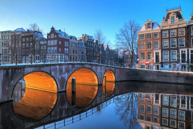 Airbnb 'disappointed' by Amsterdam plan to cut rentals