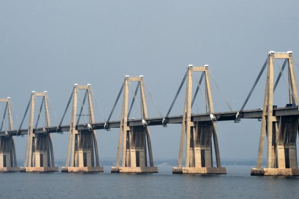 Fears over twin of collapsed Genoa bridge in Venezuela
